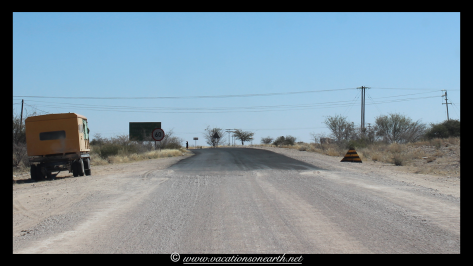 Namibia 2013 - Road from Quivertree Forest to Harnas Wildlife Foundation.008