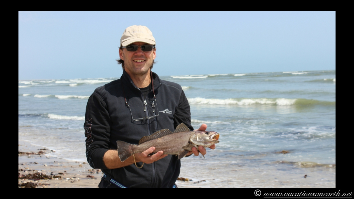Day 4 - Fishing along the Skeleton Coast between Swakopmund and Henties Bay with campsite stops.  Caught 1 kabeljou - 23 Sep 2013