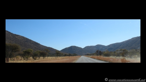 Namibia 2013 - Road trip from Hoba Meteorite, Grootfontein to Weaver's Rock Campsite, 19 Aug.008