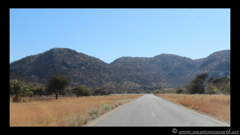 Namibia 2013 - Road trip from Hoba Meteorite, Grootfontein to Weaver's Rock Campsite, 19 Aug.010