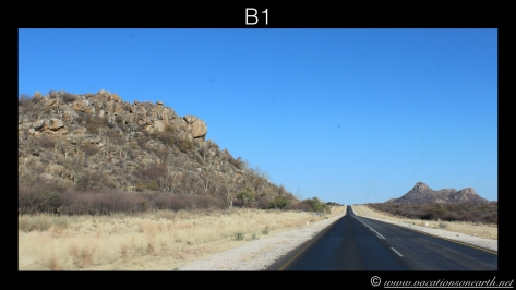 Namibia 2013 - Road trip from Hoba Meteorite, Grootfontein to Weaver's Rock Campsite, 19 Aug.019