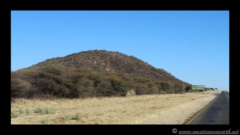 Namibia 2013 - Road trip from Hoba Meteorite, Grootfontein to Weaver's Rock Campsite, 19 Aug.022