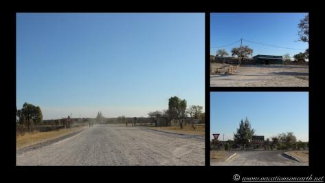 Namibia 2013 - Road trip from Nambwa Camp to Samsitu Riverside Camp, Rundu, 18 Aug.038