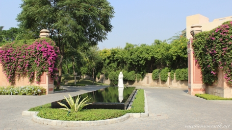 Agra, The Oberoi Amarvilas Hotel.003