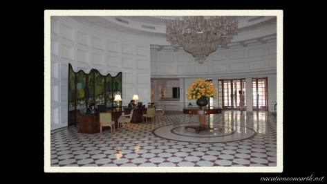 Agra, The Oberoi Amarvilas Hotel.015