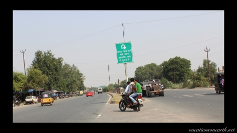 New Delhi to Agra drive.011