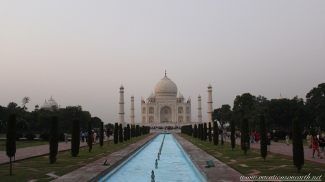 Taj Mahal, Agra, India.084