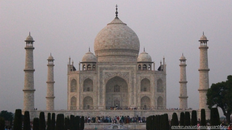Taj Mahal, Agra, India.085