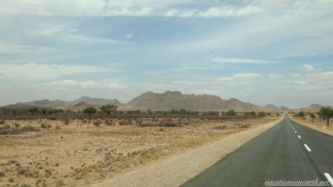 Road from Noordoewer to Keetmanshoop, Namibia, Dec 2015.009